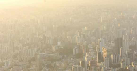O nível do gás na capital é de 300 microgramas por metro cúbico, sendo que o padrão é de 160.(Foto:Luana Cruz - Estado de Minas)